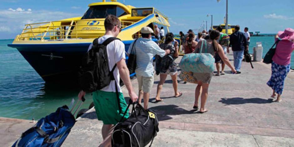 Alcanza Isla Mujeres máximo histórico en el cruce de pasajeros, afirma Borge