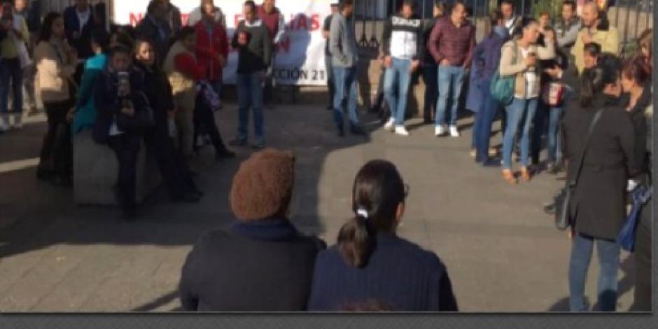 Realizan plantón empleados de Salud en Morelia para exigir pagos