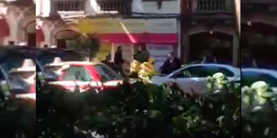 Difunden video de guaruras agrediendo a policías