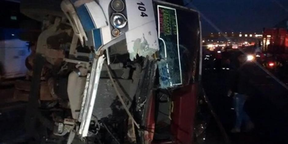 Volcadura en la México-Puebla deja 25 heridos