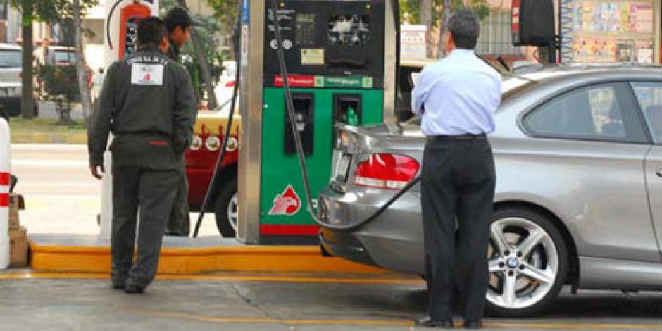 Alza en combustibles es por aumento en precios globales, asegura SHCP
