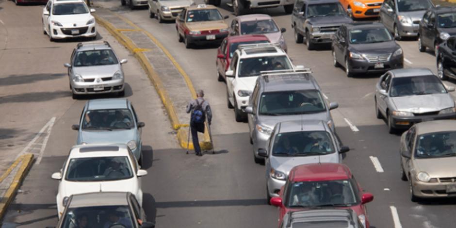 Contaminación abre posibilidad para que salgan vehículos antiguos