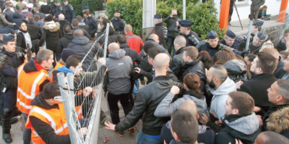 Arrestan a 23 por protestar contra Hollande