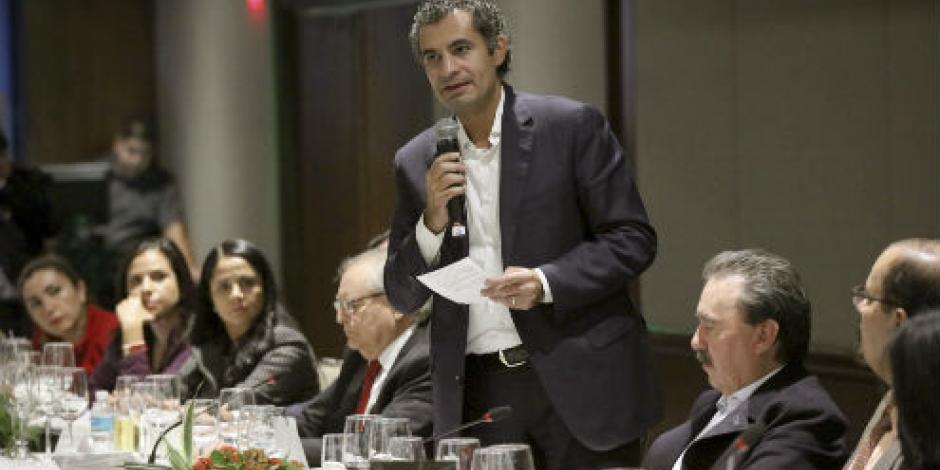 Ochoa Reza ofrece combate sin tregua a corrupción e impunidad