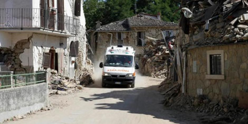 Niña salva a su hermana, pero muere tras sismo de Italia