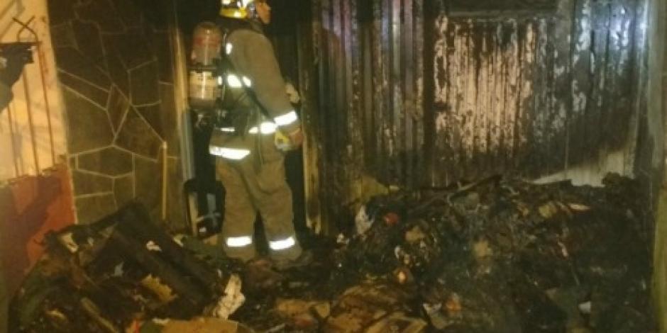 Hombre quema casa de su esposa y se suicida en EU