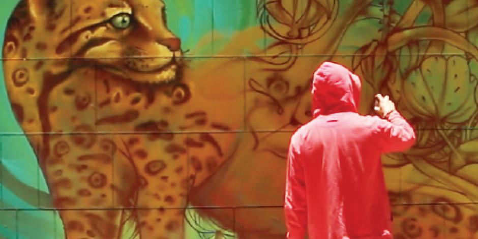 Color y fauna reviven los muros del Centro