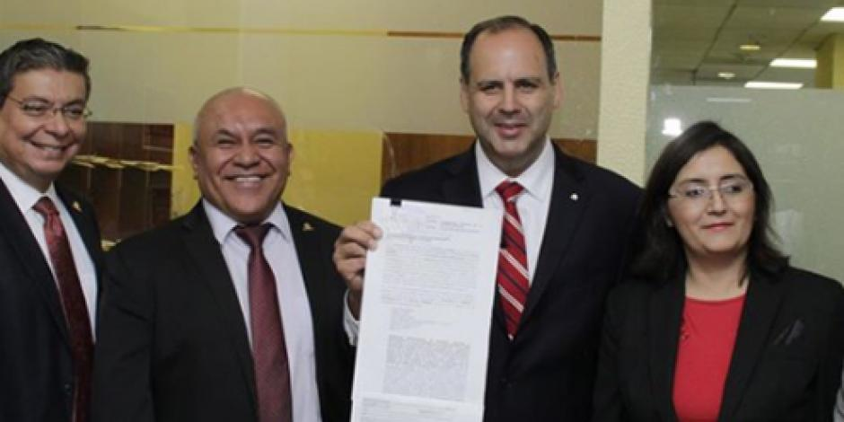 Coparmex se ampara ante bloqueos de la CNTE