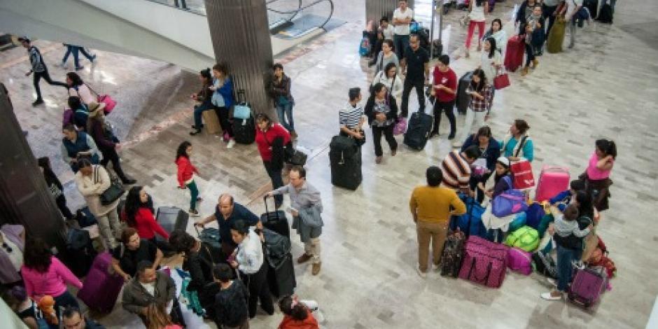 Hombres, los más activos para comprar viajes por celular