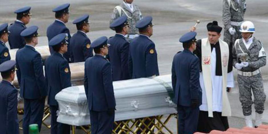 Repatrian a 5 bolivianos tras accidente aéreo