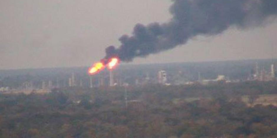 Evacúan planta química de EU por una fuga de cloro