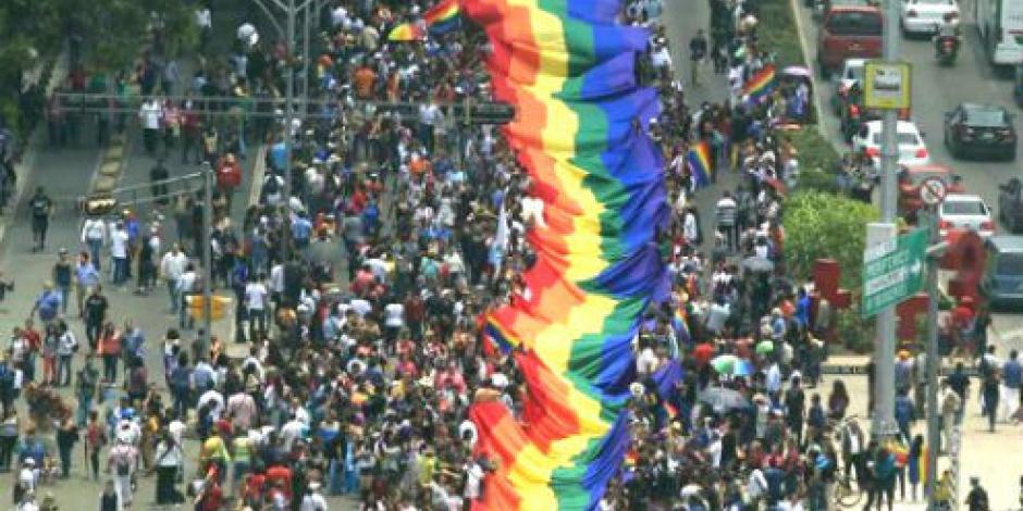 Marchan 100 mil por orgullo gay, informa gobierno de la CDMX