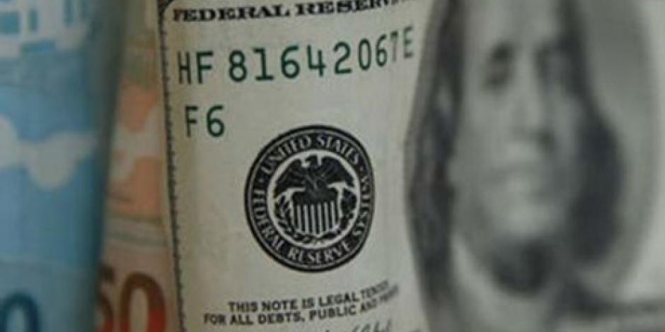 Dólar inicia jornada este viernes en 18.33 pesos