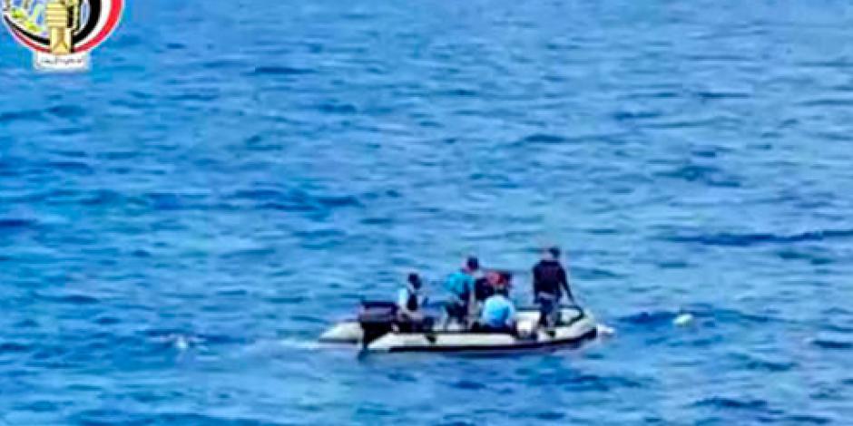 Egipto envía submarino al lugar donde chocó vuelo de EgyptAir