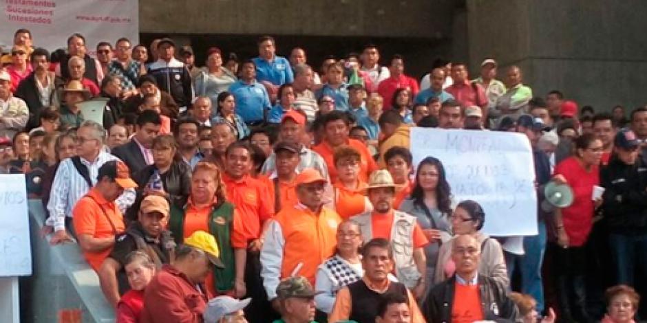 Trabajadores de la Cuauhtémoc protestan de nuevo en sede delegacional