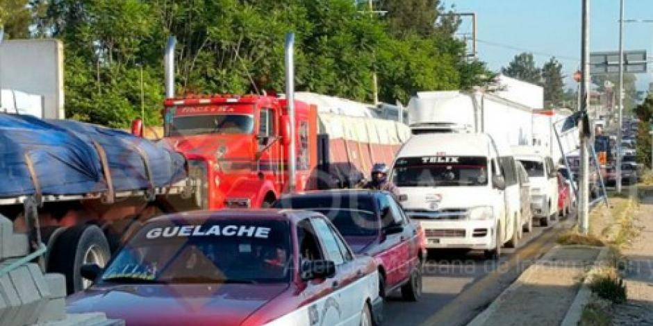 Sube a 10 el número de bloqueos de maestros en Oaxaca