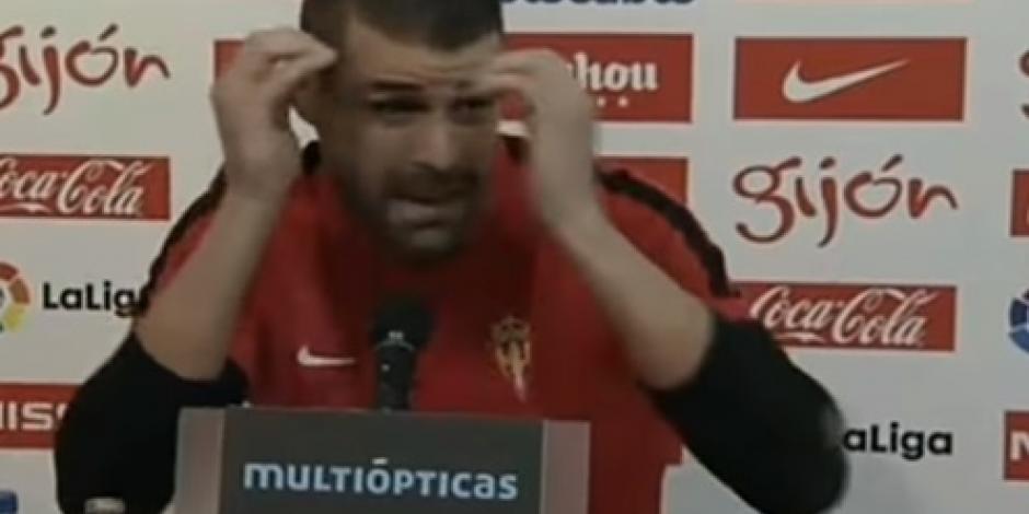 Video: Jugador insulta a periodista en conferencia de prensa