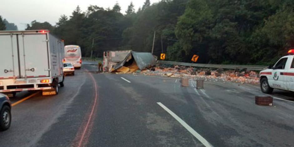 Reanudan circulación vial en la carretera México-Toluca