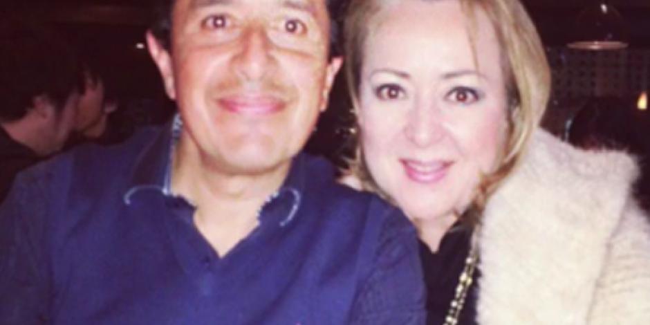 Esposa de Carlos Joaquín se da lujos con animales en peligro de extinción