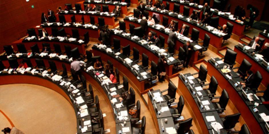 DICIEMBRE: Aprueban reforma política del DF
