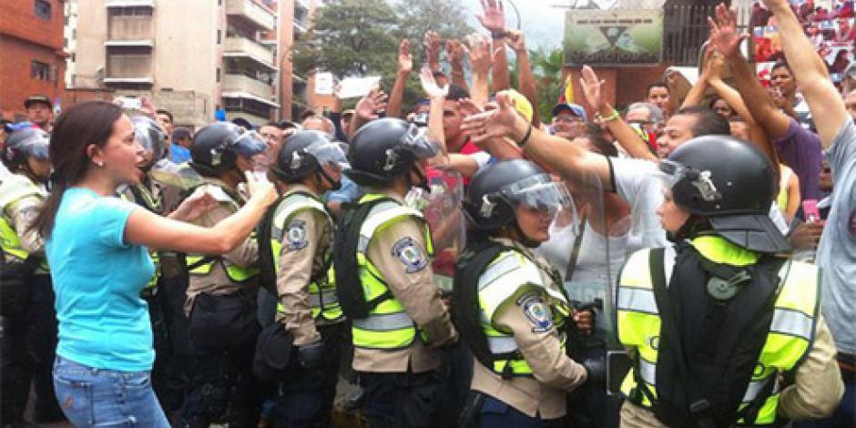 Impiden marcha a favor de referéndum contra Maduro