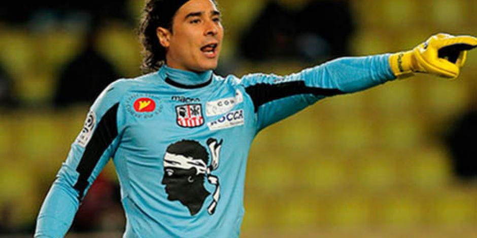 Guillermo Ochoa es nominado para premio en Liga de España