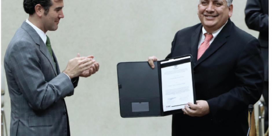 INE valida a 60 diputados para redactar Constitución capitalina