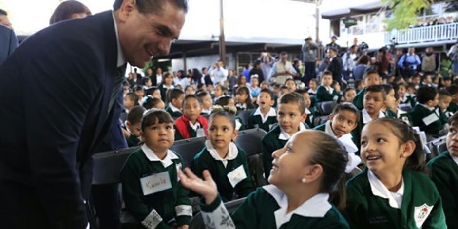 Aureoles pide a maestros brindar educación de calidad