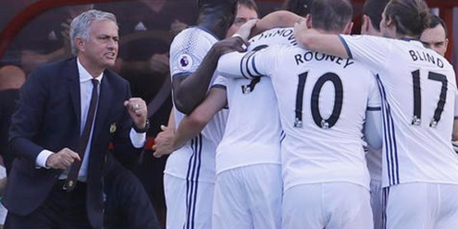 Ibrahimovic anota y colabora en victoria del Manchester United