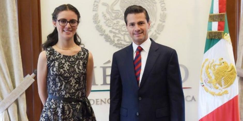 EPN recibe a #LadyMatemáticas en Los Pinos