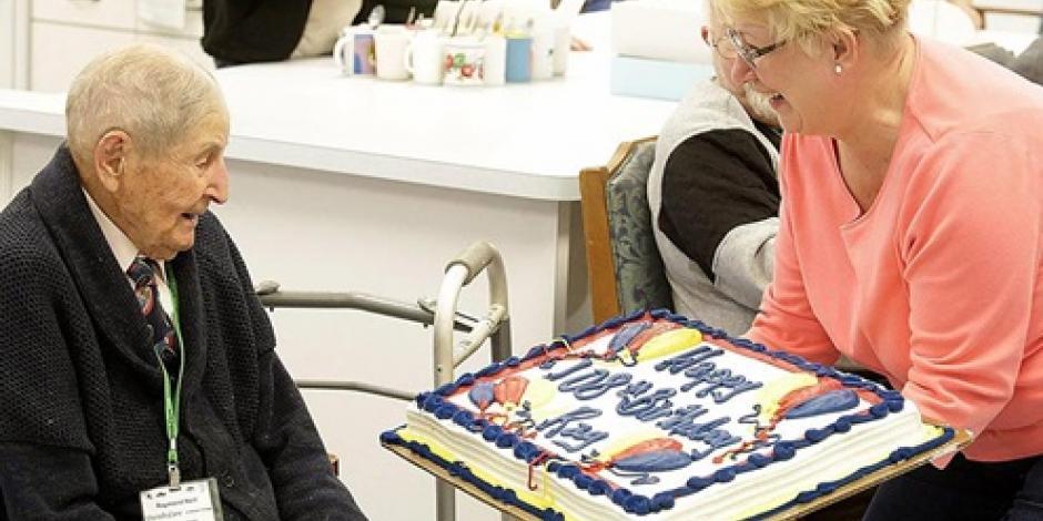 Cumple 110 años hombre más longevo de Canadá