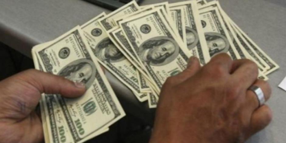 Retrocede dólar 5 centavos, cierra en $18.75 en bancos de la CDMX