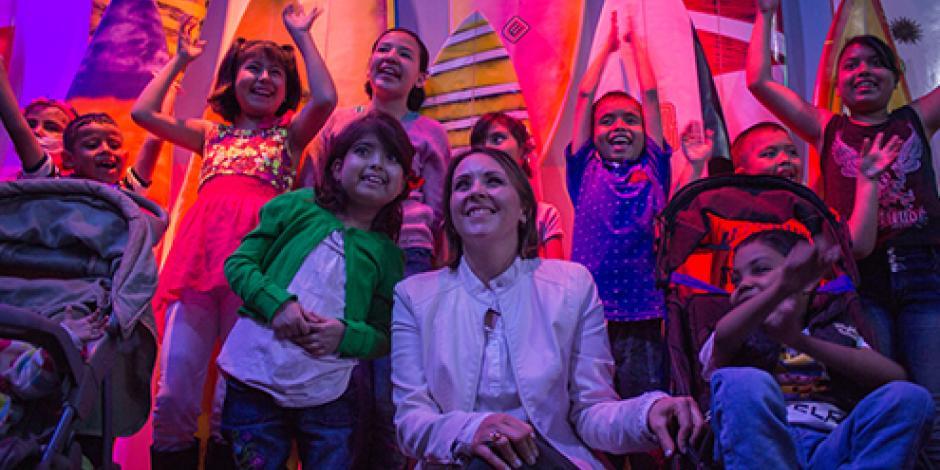 Niños del Hospital Infantil visitan el Acuario Inbursa