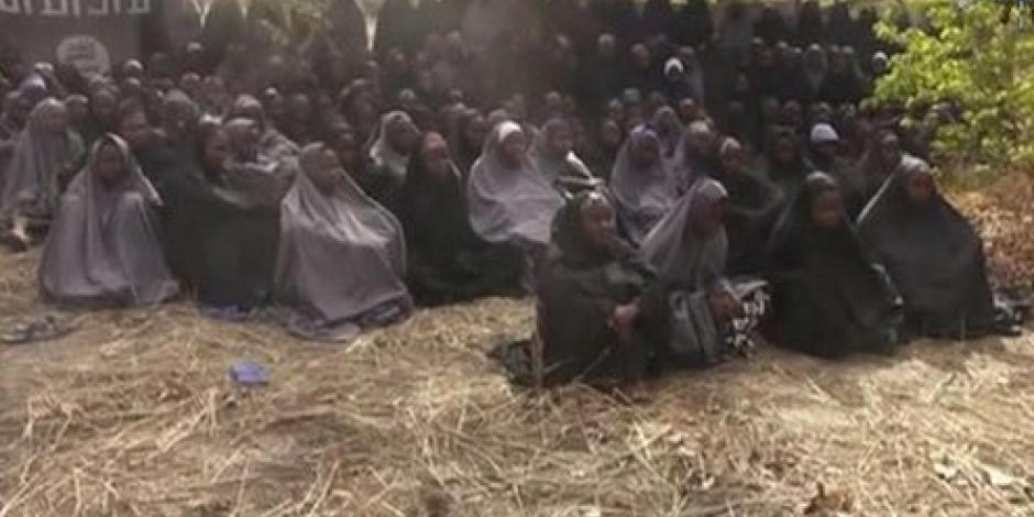 Hallan con vida a una de 276 niñas plagiadas por Boko Haram