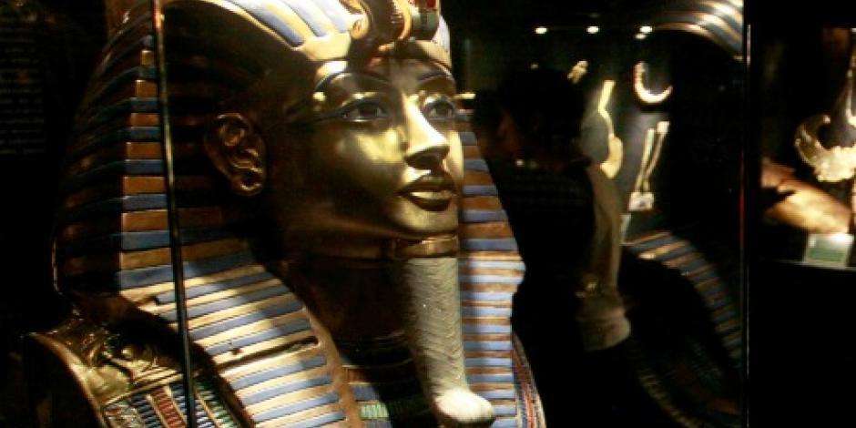 Trasladan piezas del ajuar de Tutankamón al Gran Museo de Egipto