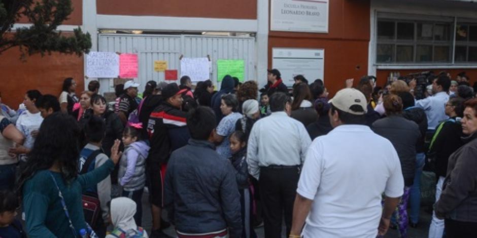 Por faltistas, se analiza despido de 125 maestros más en CDMX, revela SEP