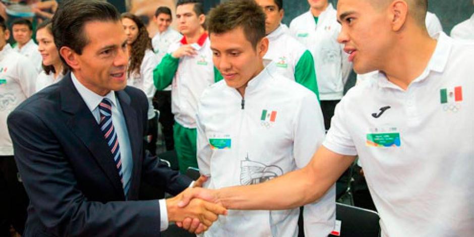 EPN recibió en Los Pinos a atletas olímpicos que participaron en Río