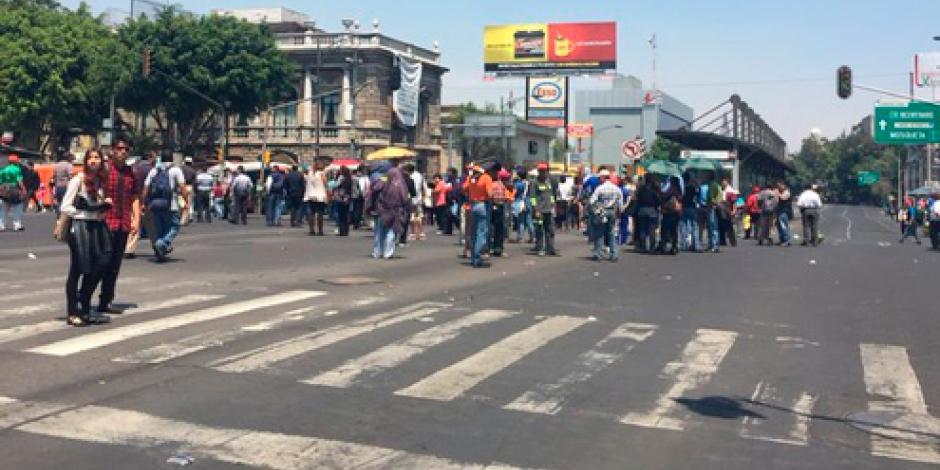 Trabajadores de la Cuauhtémoc provocan caos vial en Insurgentes