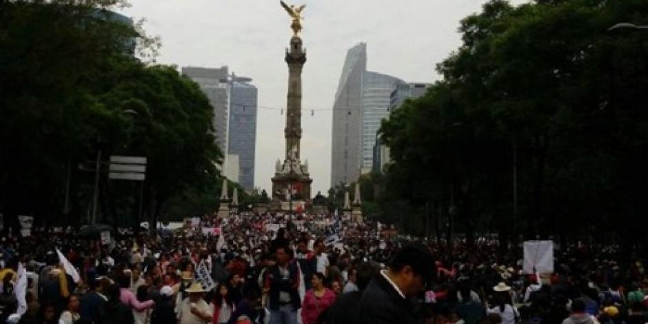 Cierran Paseo de la Reforma por marcha de Morena