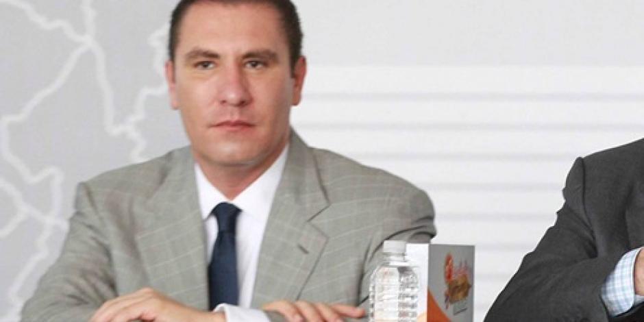 INE ordena quitar propaganda de gobernador de Puebla