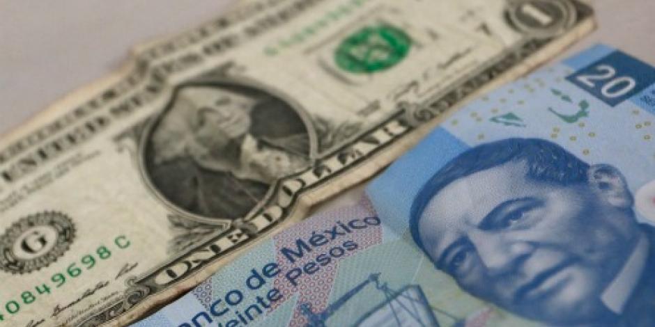 Dólar cede terreno, se vende en 21.12 pesos en CDMX
