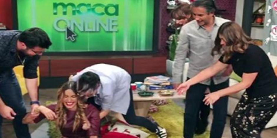 Galilea Montijo sufre caída al tratar de hacer una broma