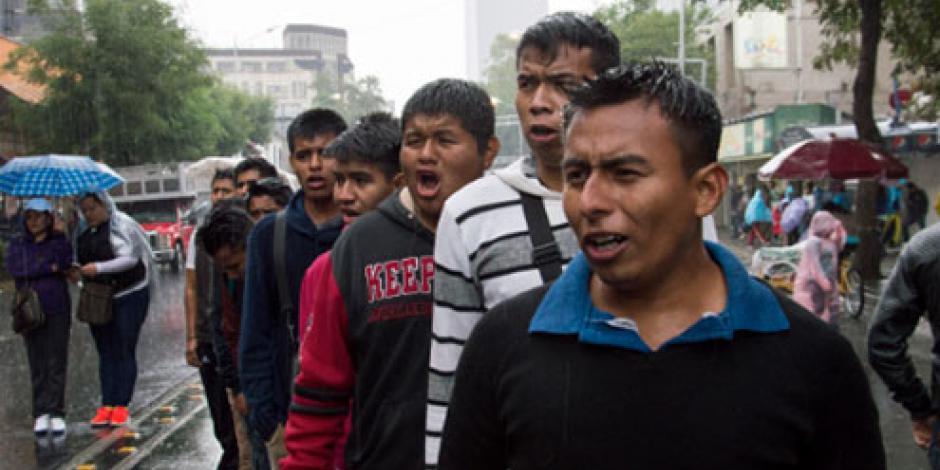 CNTE marcha para sumarse a protesta del IPN