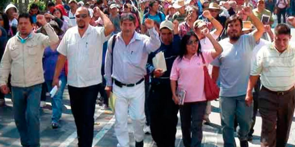 Padres de familia piden a maestros en Oaxaca no interrumpir clases