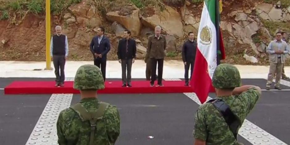 EPN hace entrega de la Autopista Cuitzeo-Pátzcuaro