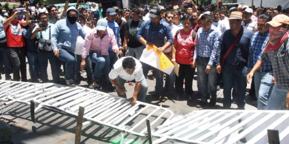 Niños lanzan un video contra paro de la CNTE