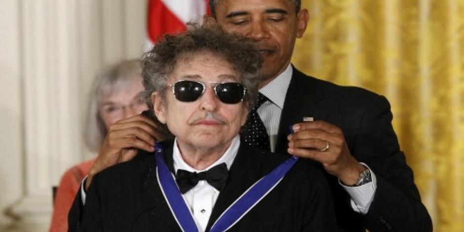 """Celebra Obama Nobel de Bob Dylan, uno de sus """"poetas favoritos"""""""