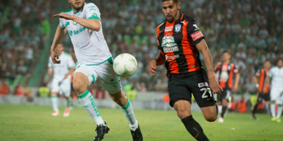 Santos y Pachuca se igualan en cuartos de final de Liga MX