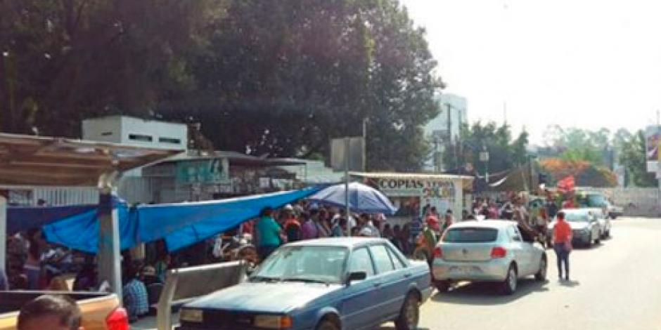 Sección 22 bloquea el IEEPO en Oaxaca