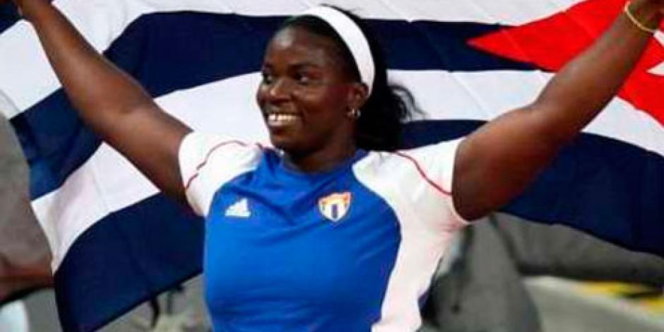 Retiran medalla de plata a cubana que ganó en JO